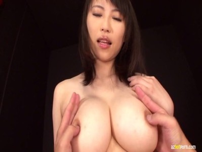 AzHotPorn.com - Cream Pie Using Her Cleavage As a Pussy