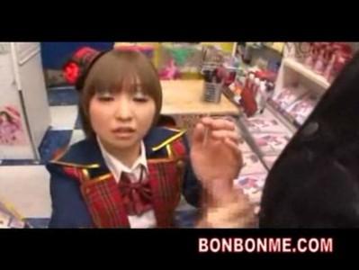 Mosaic cute av actress gives handjob to fans www.beeg18.com