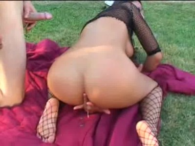 Alaura Eden outdoor anal at Just Creampie