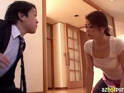 Asian Woman Peek Bra-Less Big Tits
